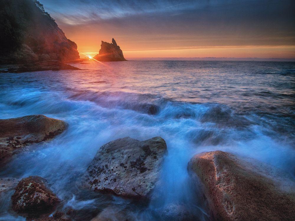 Восход солнца на Коста-Брава Испания · бесплатное фото