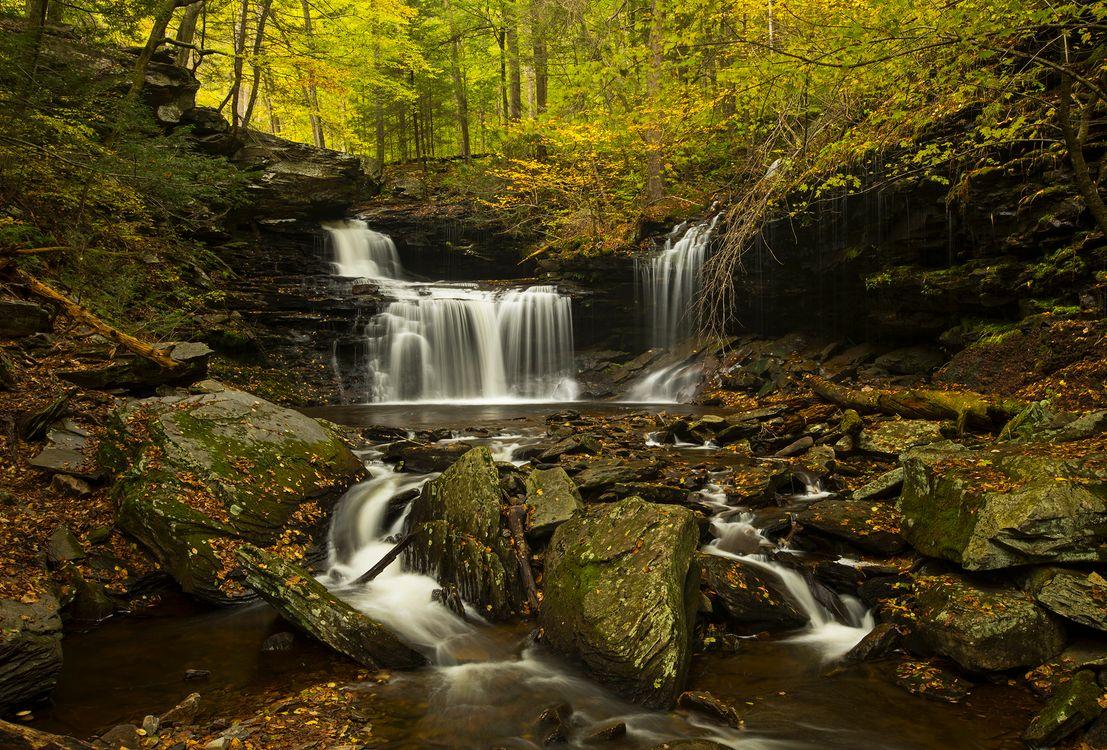Обои вода, скалы, пейзаж картинки на телефон