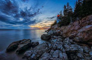Бесплатные фото Маяк Бар-Харбор,Остров Маунт-Десерт,Национальный парк Акадия,Клифсайд,Атлантический океан,Мэн,США