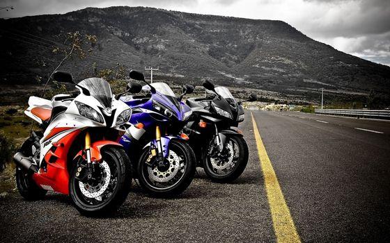 Фото бесплатно мотоциклы, трасса, парковка