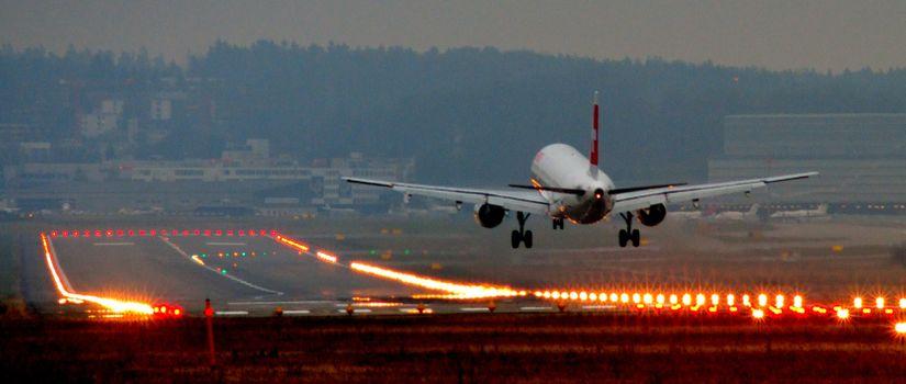 Photo free airplane, landing, panorama
