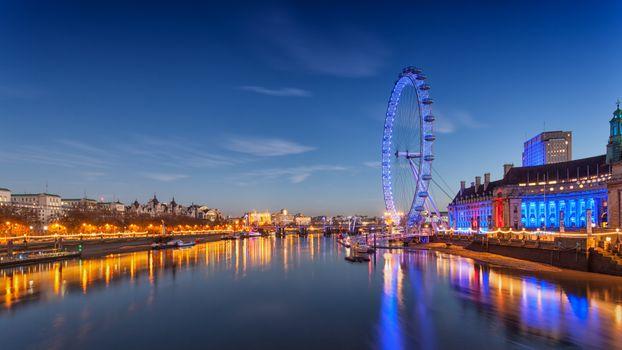 Ferris wheel in London · free photo