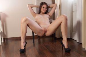 Бесплатные фото Vanessa Angel,Vanessa A,красотка,голая,голая девушка,обнаженная девушка,позы
