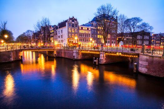 Фото бесплатно Amsterdam, ночь, подсветка