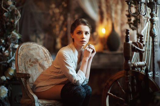 Бесплатные фото Ксения Кокорева,Максим Максимов,портрет,сидит,женщины,смотрит на зрителя,глубина резкости,гольфы