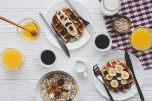 Бесплатные фото завтрак,вафли,ягоды,банан,овсянка
