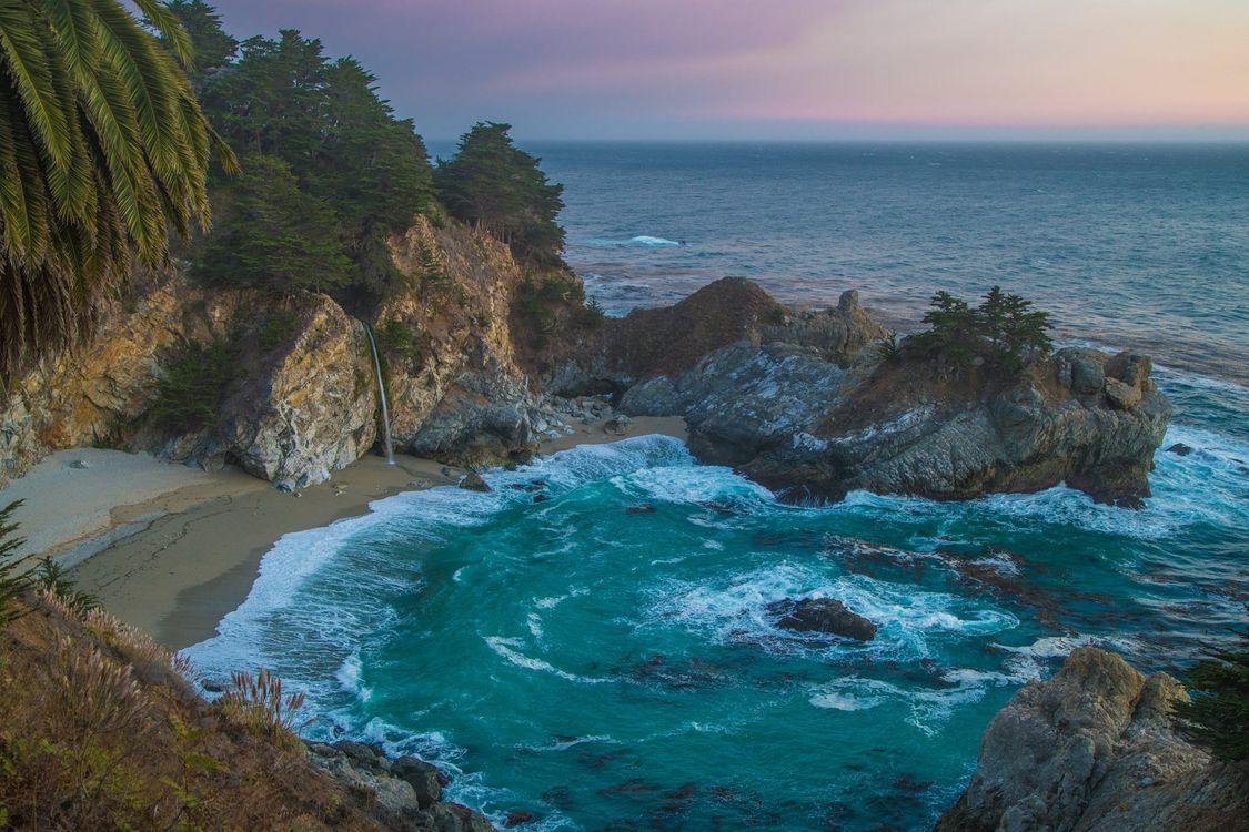 Cozy beach in California · free photo