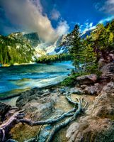 Заставки Rocky Mountain National Park,Dream Lake,озеро,горы,деревья,скалы,пейзаж