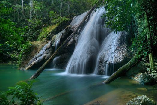 Заставки Selat Sagawin, Indonesia, водопад