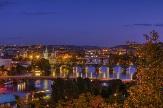 Заставки Charles bridge, Karluv most and Lesser town tower, Prague in autumn at sunrise