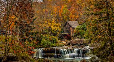 Старый дом у ручья