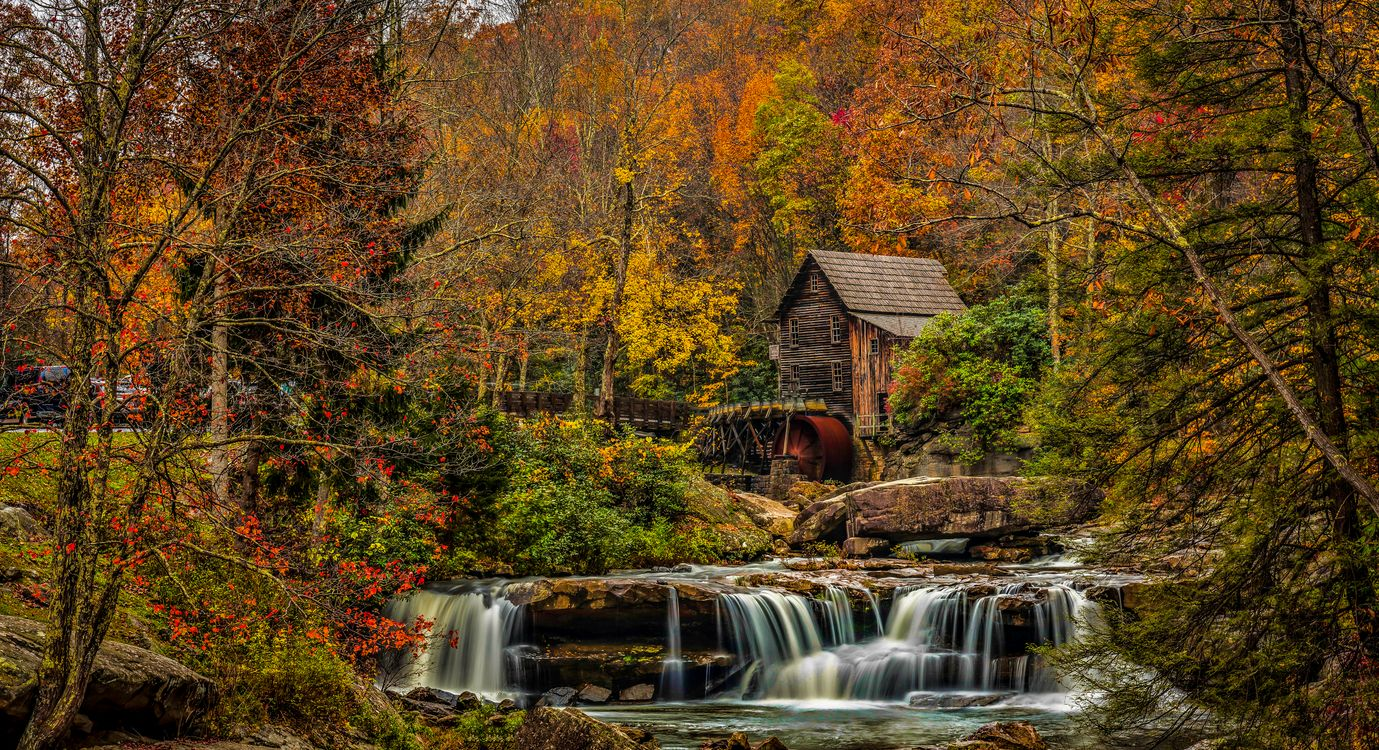 Old house by the Creek · free photo