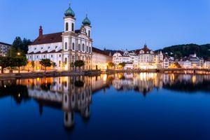 Бесплатные фото Йезуитенкирхе,Люцерн,Швейцария,город,ночь,иллюминация