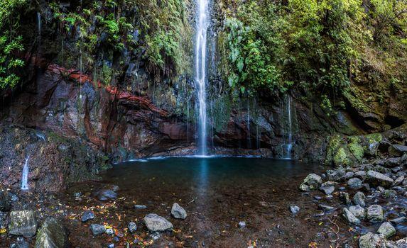 Заставки Madeira, водопад, скалы
