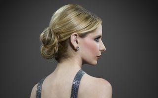Photo free Sarah Michelle, blonde, profile view