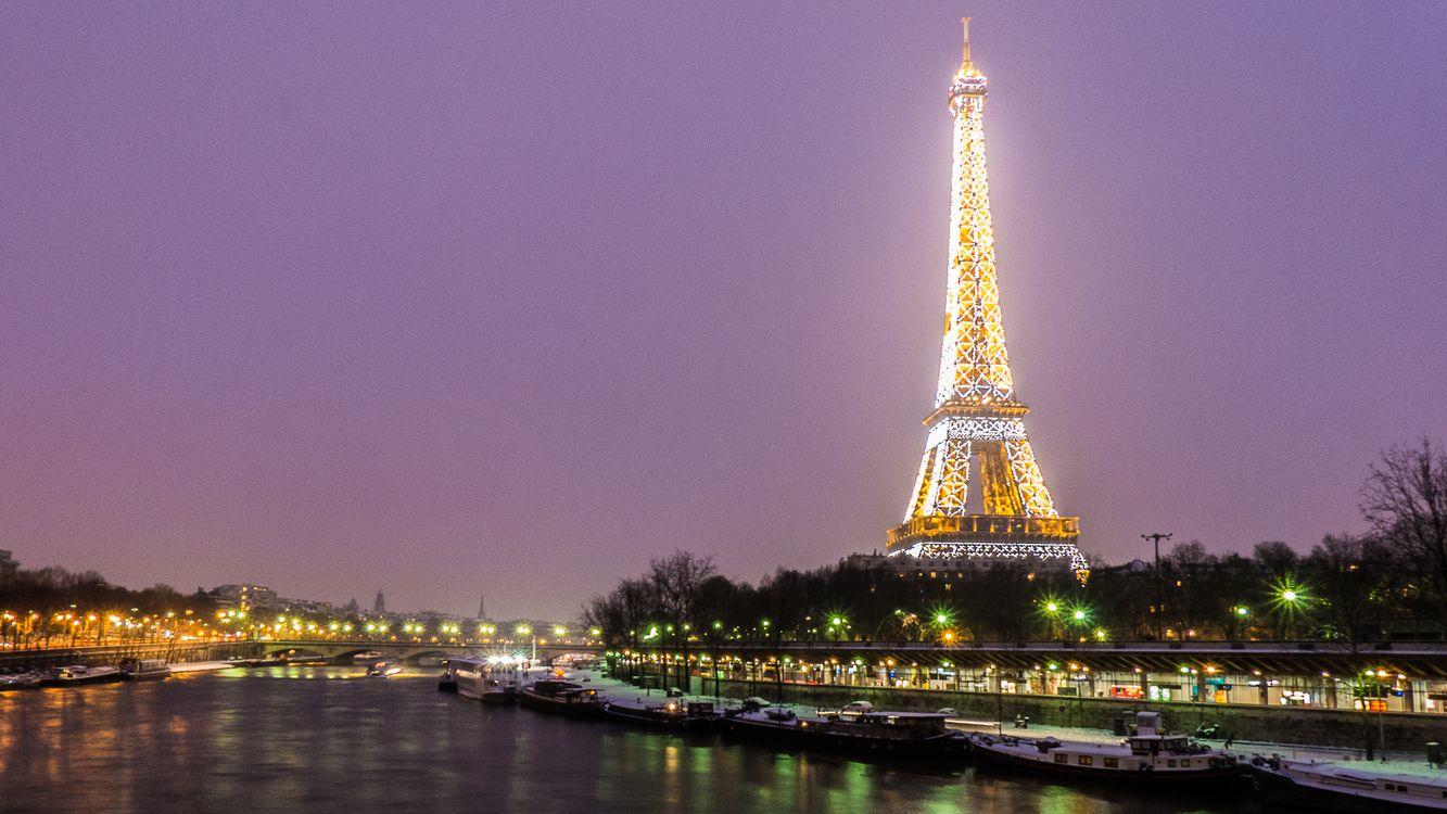 Фото бесплатно Париж, Франция, Paris, город, ночь, иллюминация, Эйфелева башня, Река Сена, сумерки, ночные города, город