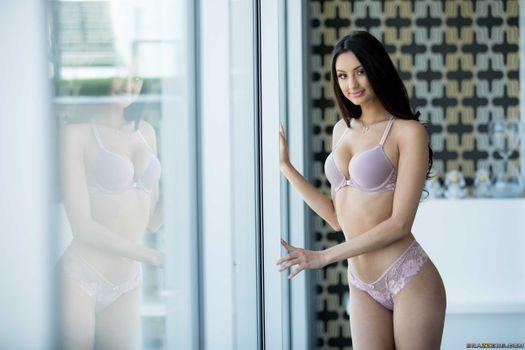 Photo free Eliza Ibarra, sexy girl, beauty