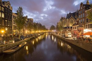Фото бесплатно Amsterdam Canal View at Night, Амстердам, Нидерланды
