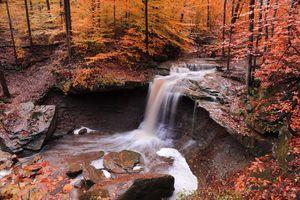 Бесплатные фото осень,водопад,речка,скалы,лес,деревья,природа