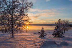 Заставки Arvika,Швеция,зима,закат,снег,сугробы,водоём