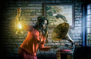 Бесплатные фото девушка,красотка,патефон,настроение,лампа,картина,стиль