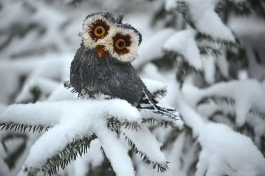 Фото бесплатно сова, игрушка, ель