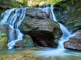 Водопад в хорошем качестве