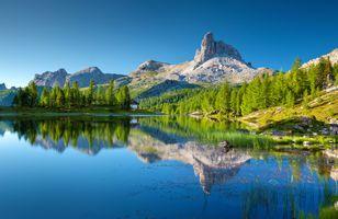 Photo free lake federa, bergsee, dolomite