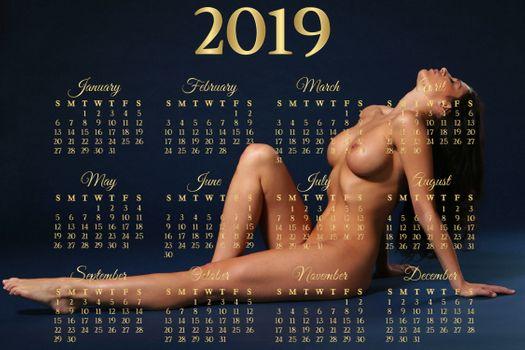 Бесплатные фото модель,брюнетка,голая,загорелые,большие сиськи,сиськи,соски,календарь,2019