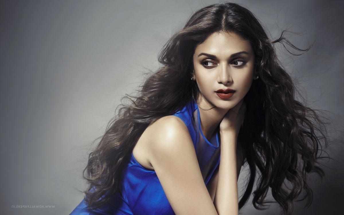 Индийская знаменитость Aditi Rao Hydari · бесплатное фото