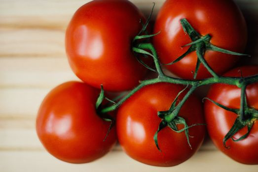 Photo free tomatoes, branches, vegetables