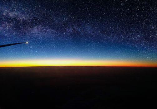 Бесплатные фото воздушный,посмотреть,звезды,восход,луна,млечный путь,галактика,самолет