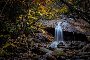 Фото бесплатно осень, водопад, скалы