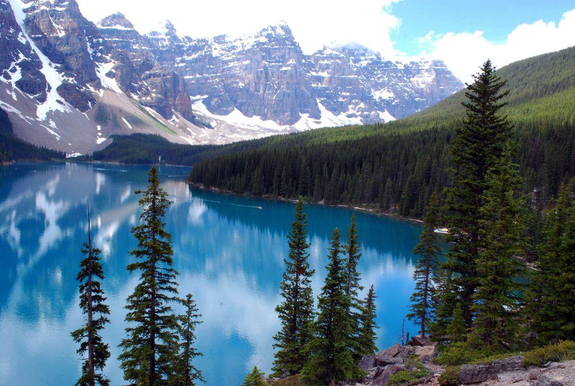 Фото бесплатно озеро, деревья, скалы - на рабочий стол