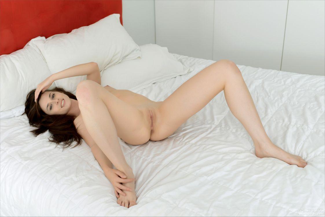 Celine - обнаженная девушка · бесплатное фото