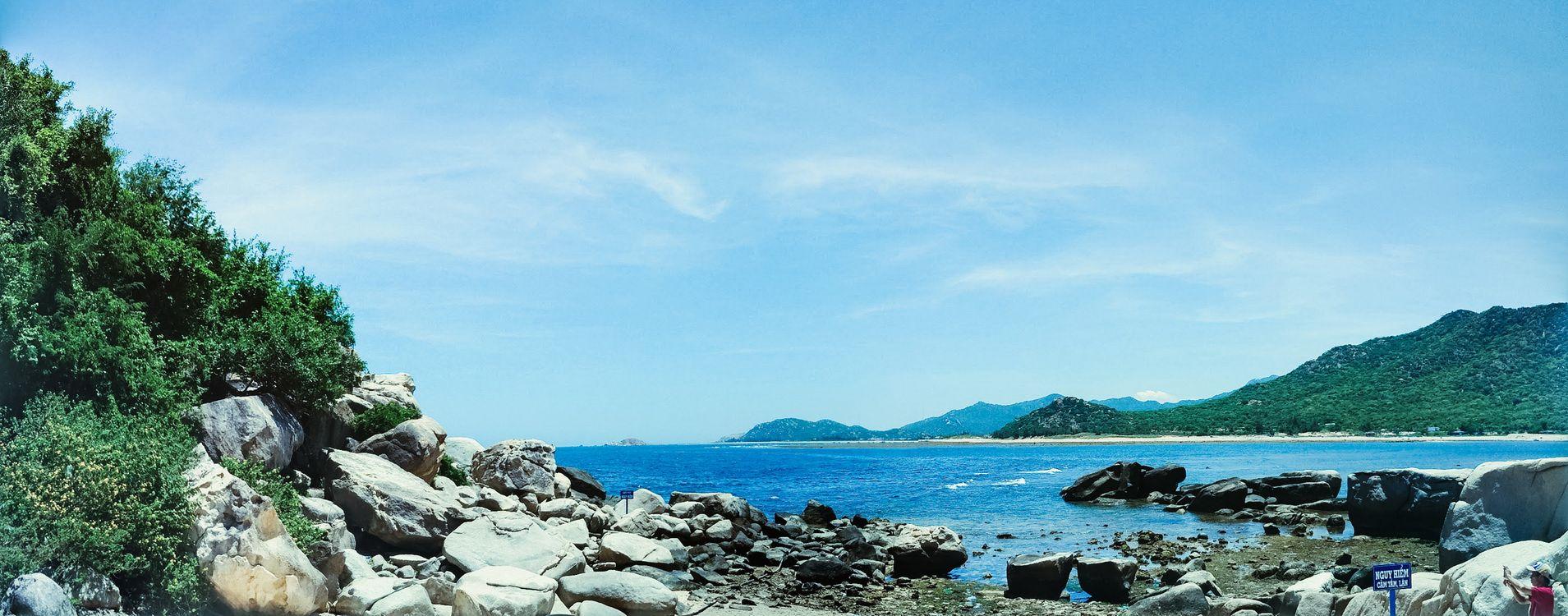 Фото бесплатно пейзаж, воды, небо, природа, море, берег, дерево, камень, мыс, залив, туризм, облако, прибрежные и океанические рельефы, океан, гора, пейзажи
