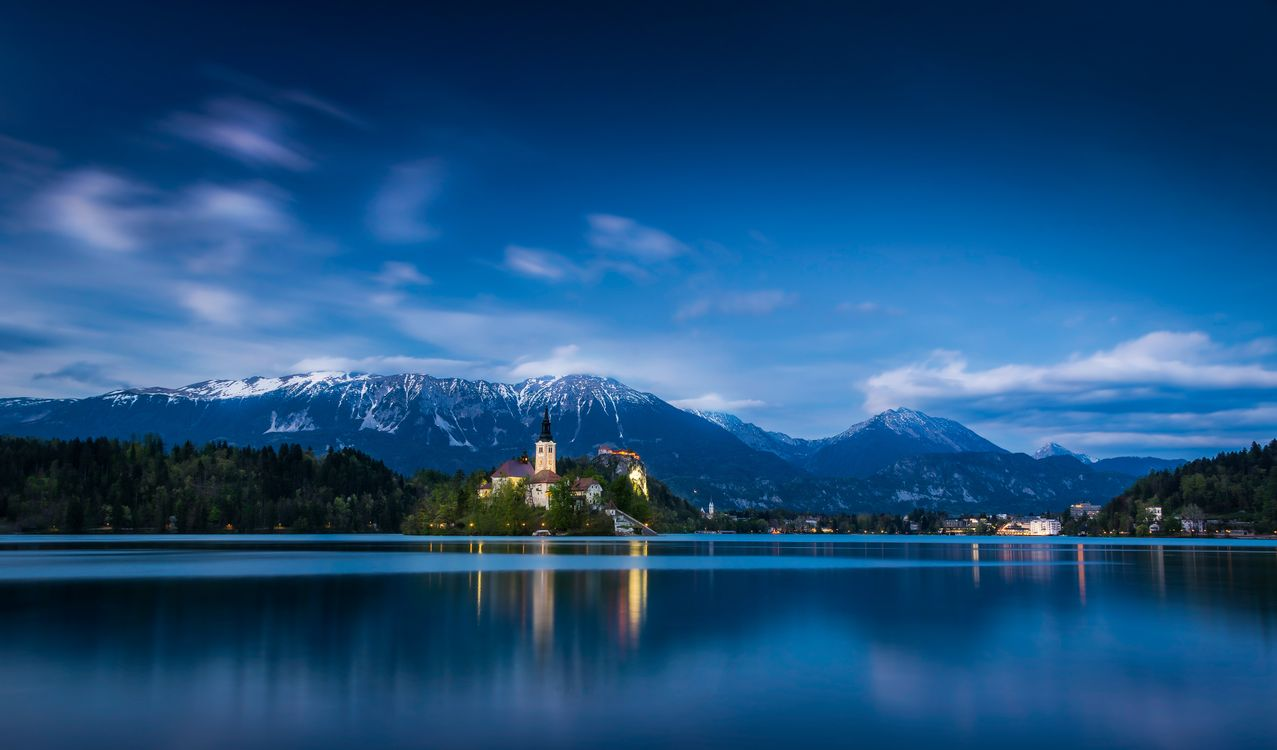 Фото бесплатно Озеро Блед, Словения, Bled, Церковь на острове, церковь Успения Девы Марии, Бледское озеро, сумерки, пейзаж, пейзажи