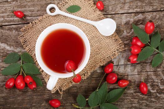 Осенний чай из шиповника