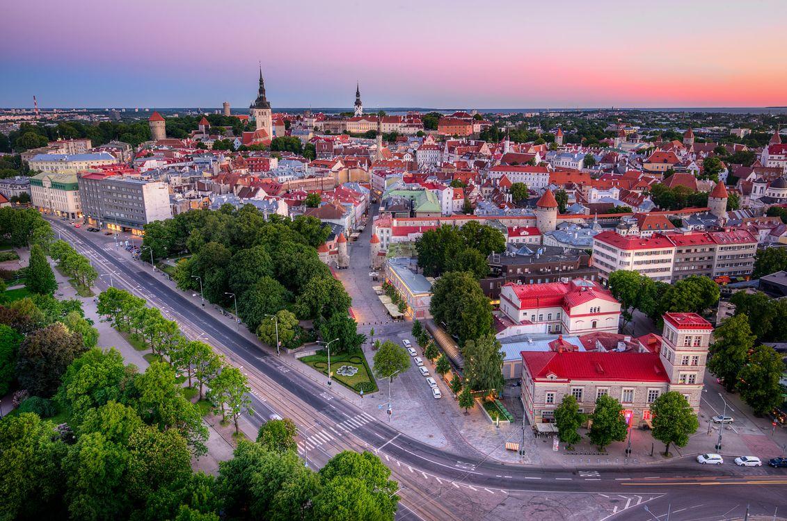 Фото бесплатно Tallinn Old Town, Estonia, закат, город, дома, дороги, городской пейзаж, город