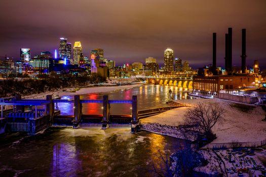 Заставки река, штат Миннесота, ночной город