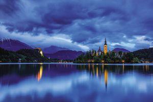 Бесплатные фото Озеро Блед,Словения сумерки,остров,замок,небо,облака,горы