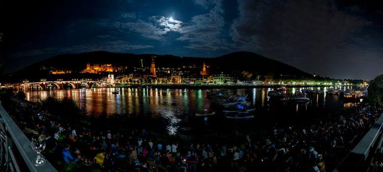 Фото бесплатно Heidelberg at night, лунная ночь, облака