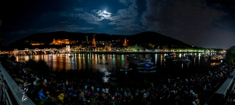Заставки Heidelberg at night, лунная ночь, облака