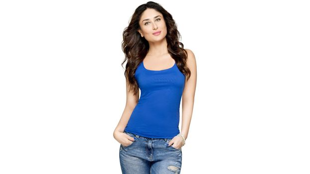 Kareena Kapoor in blue t-shirt