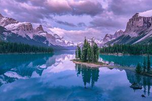 Фото бесплатно MMaligne Lake, Остров Духа, Озеро Малинье