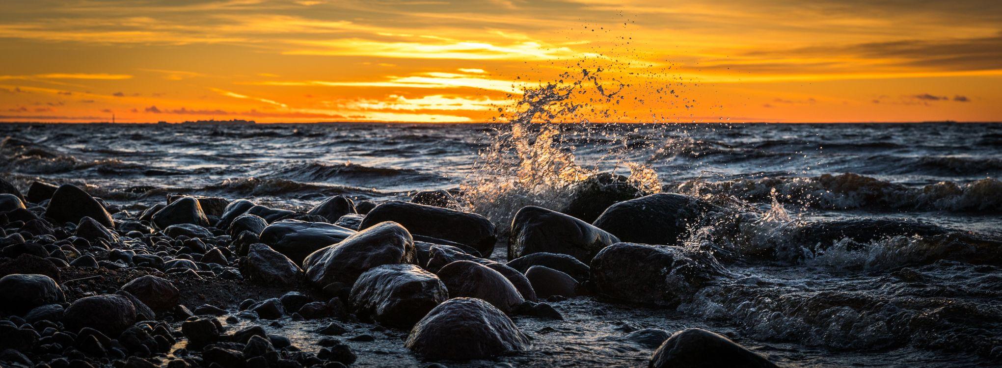 Фото бесплатно пляж, рассвет, пейзаж, длительное воздействие, океан, панорамный, горные породы, море, морской пейзаж, берег моря, берег, небо, всплеск, солнце, закат солнца, природа
