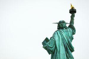 Заставки Статуя Свободы, арт, человек