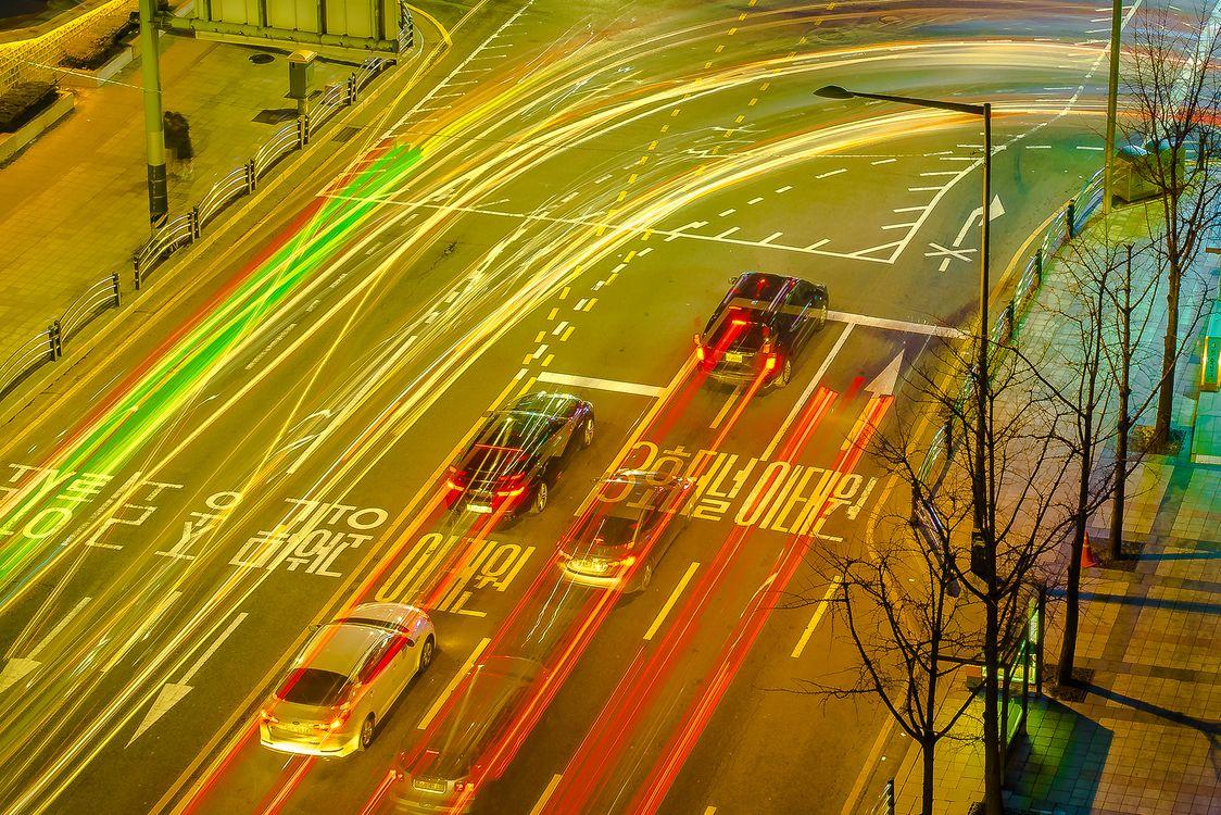 Фото автомобили город огни - бесплатные картинки на Fonwall