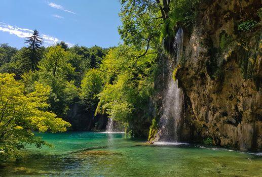 Заставки Плитвицкие озера,летний пейзаж,Национальный парк Плитвицкие озера,Plitvice Lakes national park,Croatia,Хорватия,водопад,пейзаж