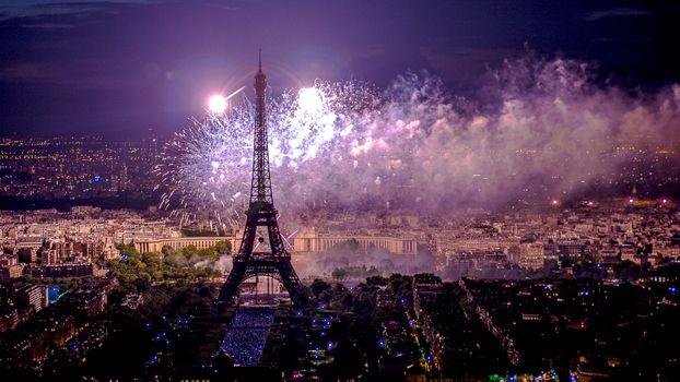 Фото бесплатно Париж, Франция, Paris, город, ночь, иллюминация, Эйфелева башня, салют, фейерверк, ночные города